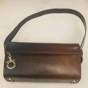 AUTHENTIC SALVATORE FERRANGAMO SHOULDER  BAG.